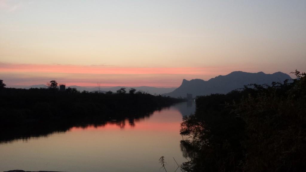 Flod i aftenlys2