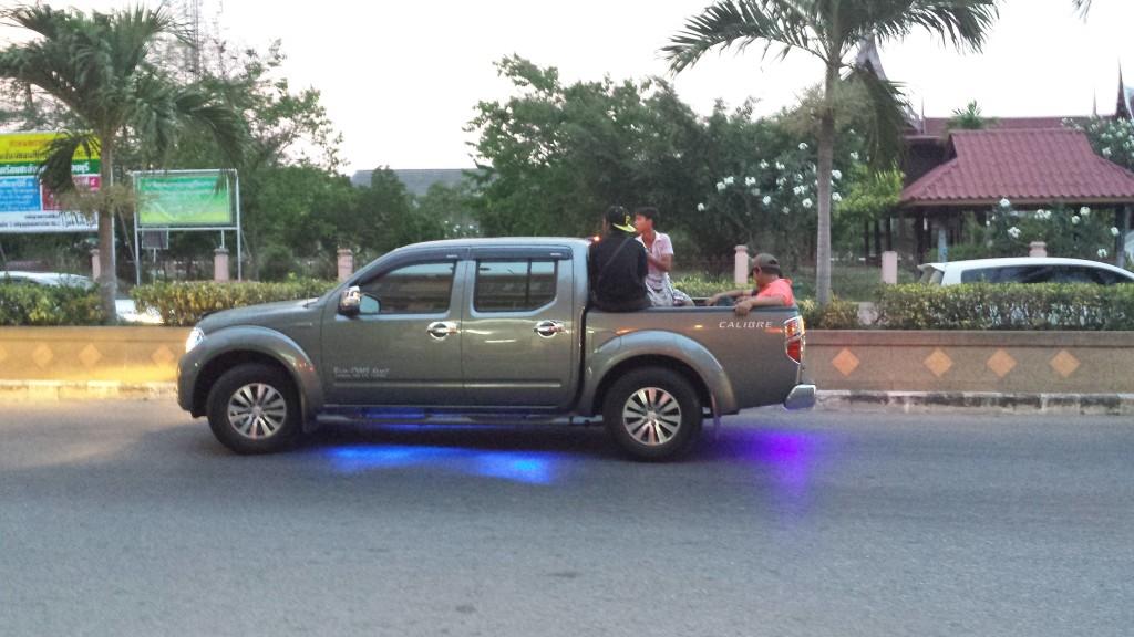 Bil med blåt lys2