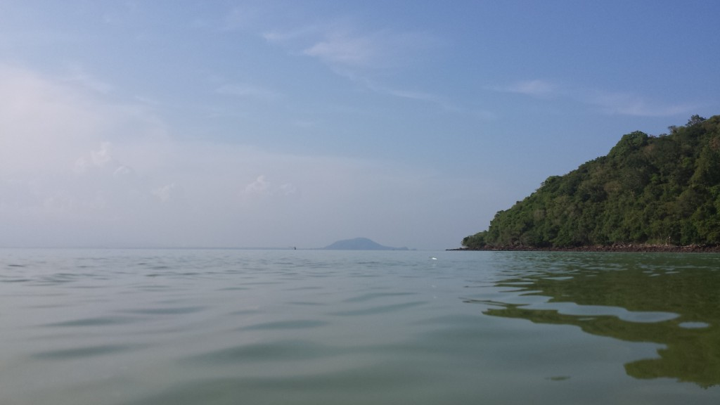 Koh Talu Pearl Bay fra vandet fisk hopper4