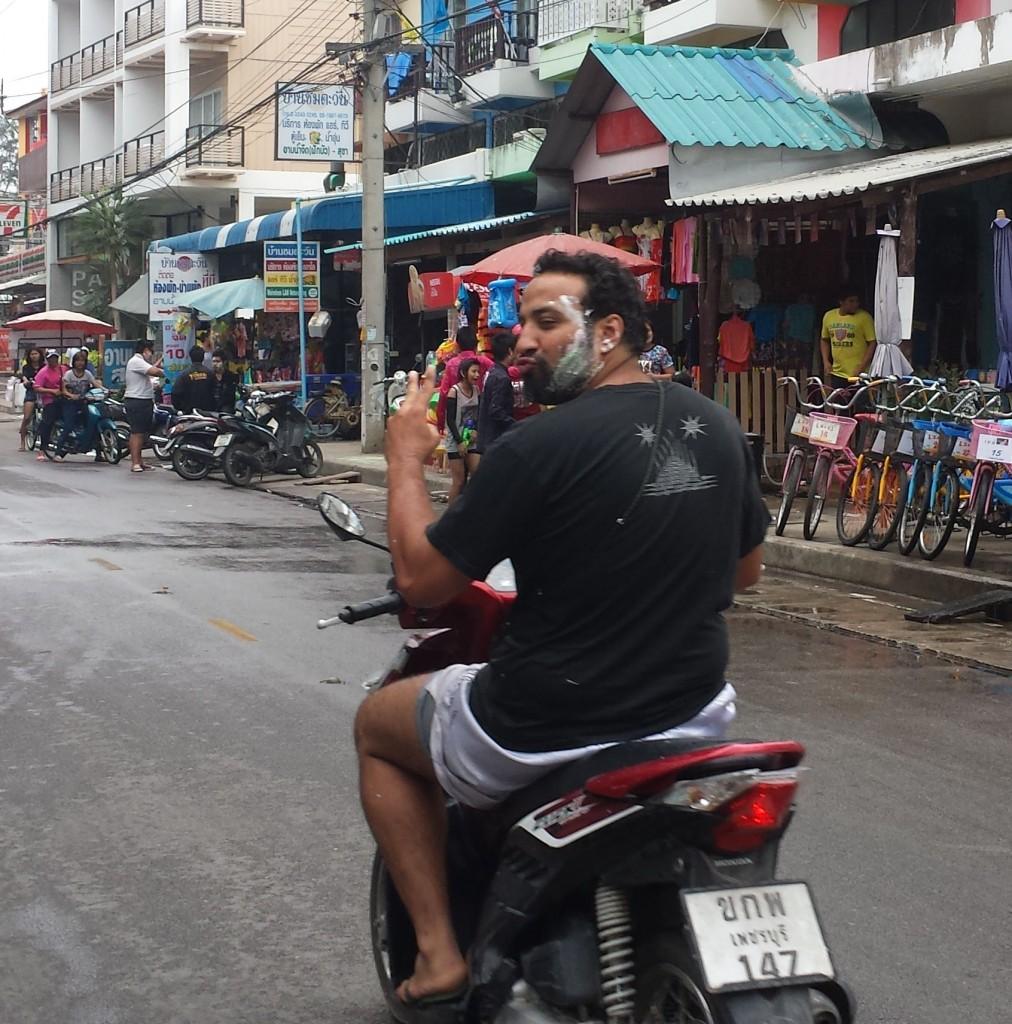 Songkran strandgaden4 (beskaaret)