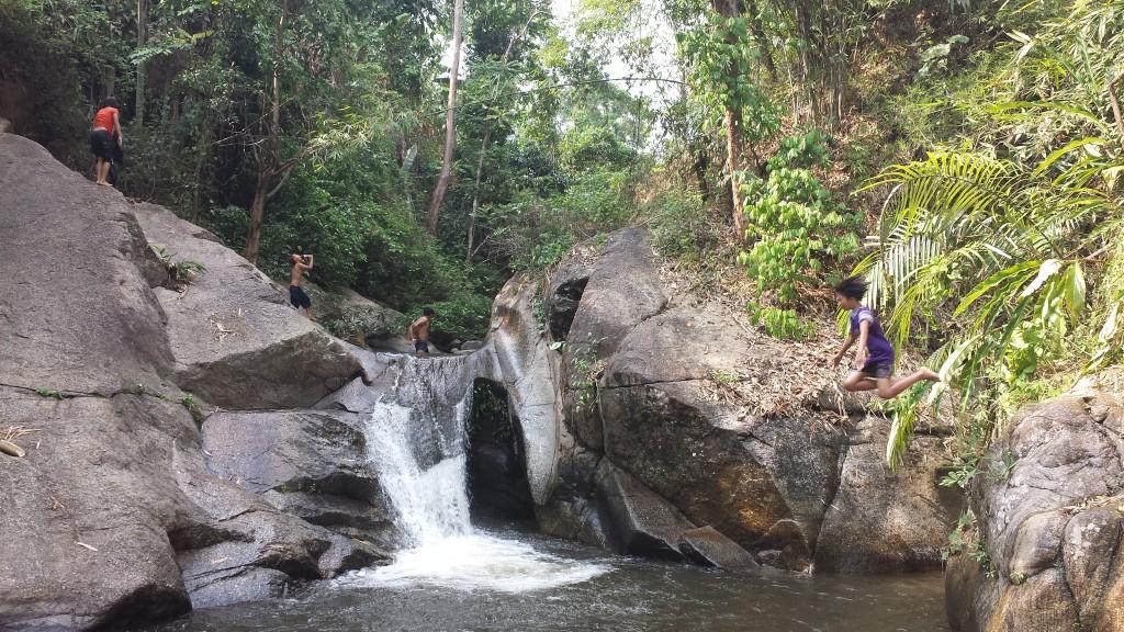 Trekking badning pige hopper i6