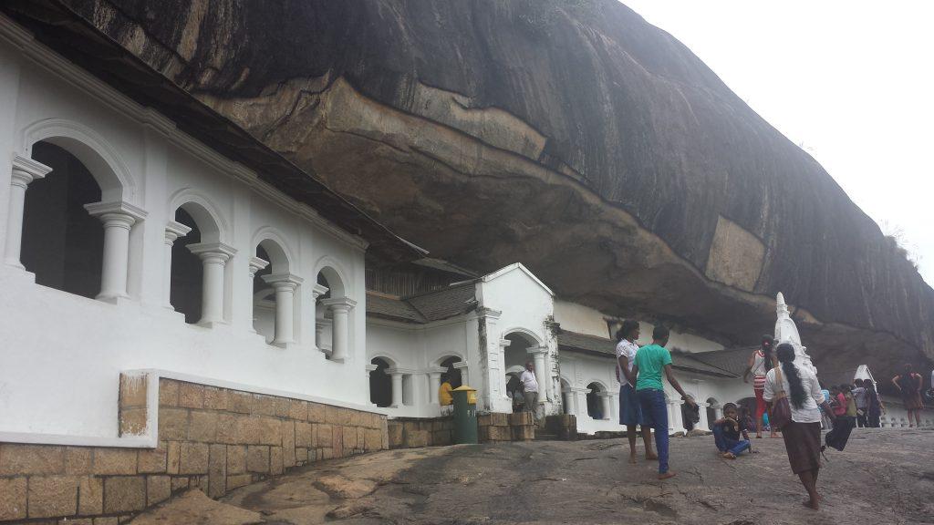 Dambulla cave temple17